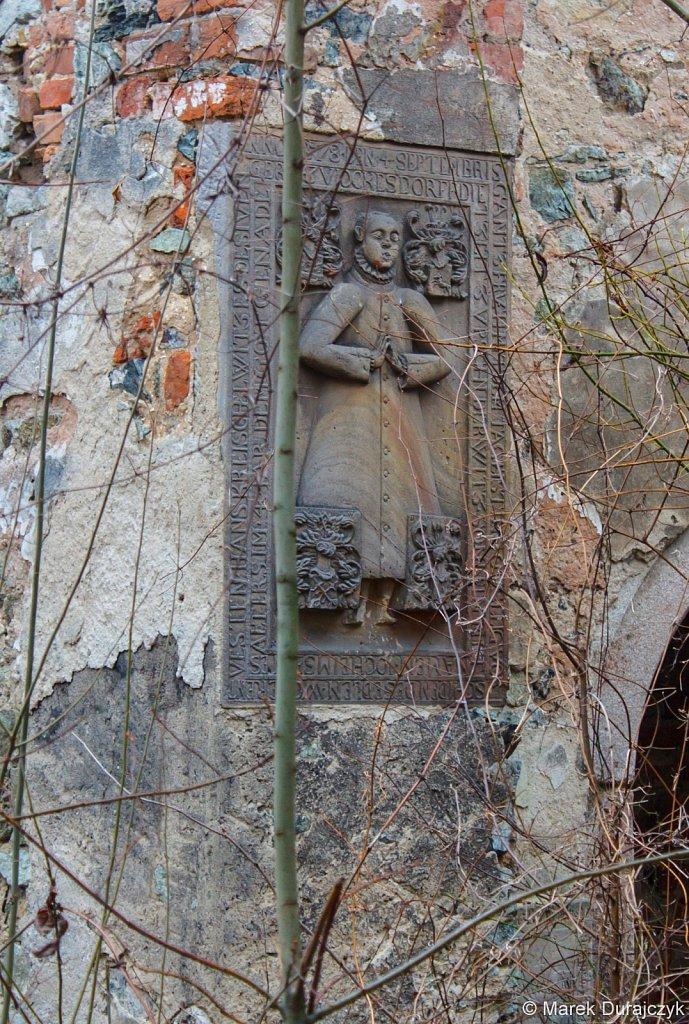 Ruina Kościoła w Nasławicach